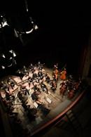AL TEATRO PIERMARINI DI MATELICA LA FORM - Orchestra Filarmonica Marchigiana - IN CONCERTO