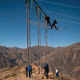 Solidarietà: Terna e Flavio Cattaneo, Storia di una linea Elettrica sulle Ande