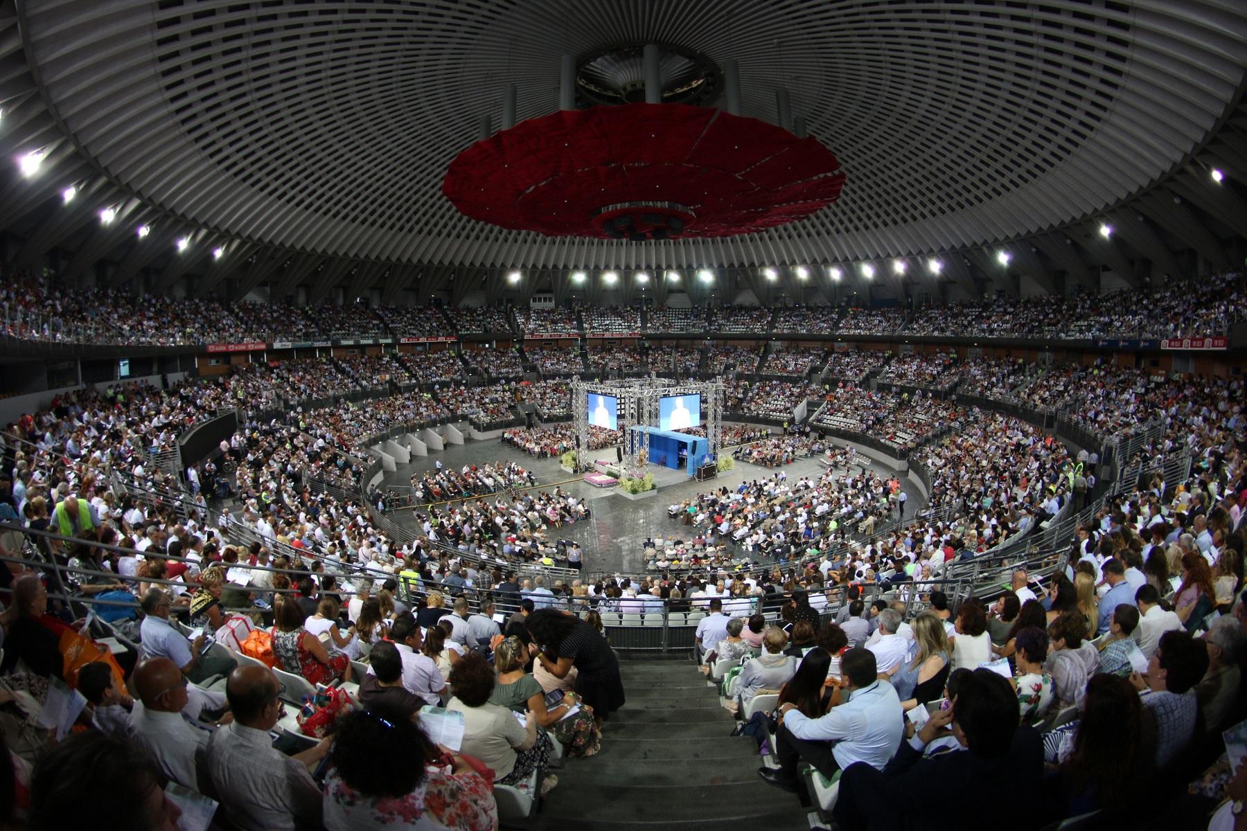 TECNOLOGIA AL SERVIZIO DELLA SPIRITUALITA' AL CONGRESSO DEI TESTIMONI DI GEOVA