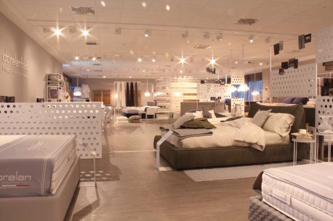 """Scegliere un letto """"ad occhi chiusi"""": restyling e nuovo concept per i negozi dei sogni Dorelanbed di Bolzano, Forli' e Reggio Emilia"""