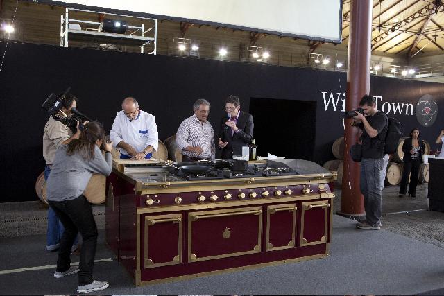 A Wine Town 2011 trionfano le cucine professionali Officine Gullo
