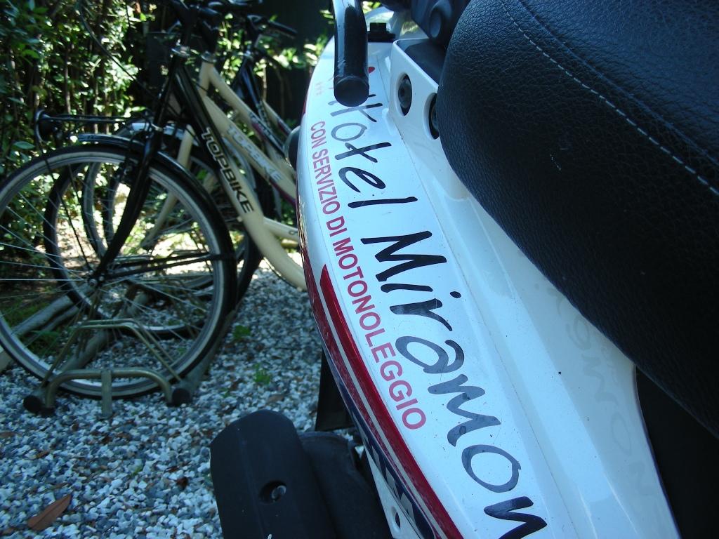 A Marina di Massa la vacanza si fa sulle due ruote!