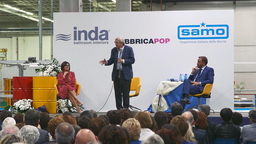 Vittorio Sgarbi affascina la platea di Fabbricapop