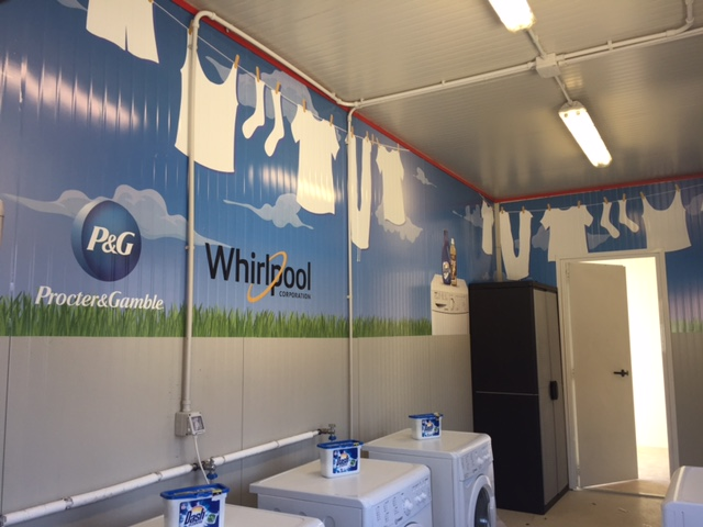 Procter & Gamble e Whirlpool Corporation insieme alla Protezione Civile donano 10 container 'Lavanderia' alle famiglie del centro Italia colpite dal sisma