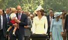 Inghilterra: il battesimo di Charlotte nella chiesa di Lady Diana - La Repubblica