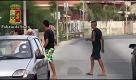Ragusa: poliziotti in costume da bagno per arrestare gli spacciatori - La Repubblica